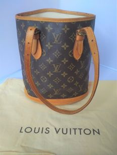 Louis Vuitton – Petit bucket PM