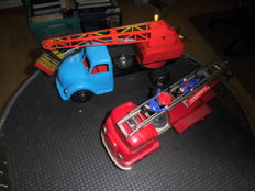 Michael Seidel/Strenco, Germany - length 30/35 cm – lot with plastic/tin fire brigade and Magirus excavator with mechanics, 60s