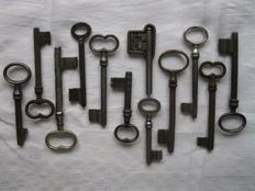 Collection of 11 wrought iron keys from German castle