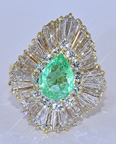 6.63 Ct Emerald and Diamonds, ballerina ring NO reserve price!