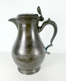 Pewter beak-spouted jug Dordrecht W. Logger 18th century 1767-1792.