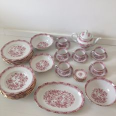 Seltmann Weiden Bavaria Germany porcelain tableware set, Theresia Rot - 30 x