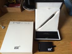 Montblanc fountain pen - mod. Starwalker Midnight Black