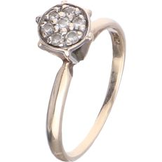 10 kt BLG yellow gold solitaire ring set with 7 round brilliant cut diamonds of approx. 0.02 ct each in a white gold setting - ring size: 17 mm