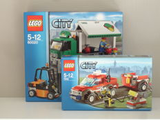 City - 7942 + 60020 - Fire Department Pickup Truck + Truck and Forklift