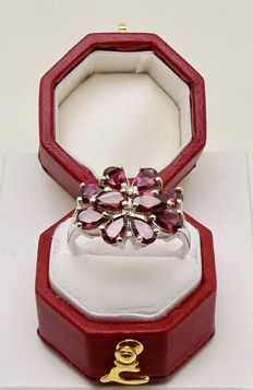 "Quality white gold ""butterfly"" ring by G.T.V. 2ct Rhodolite Garnets & Diamond - NO reserve"