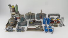 Faller/Kibro Scenery H0 - Collection of buildings for oil and fuel refinery, silo storage tank farm, gas station cement factory and a crude oil pump