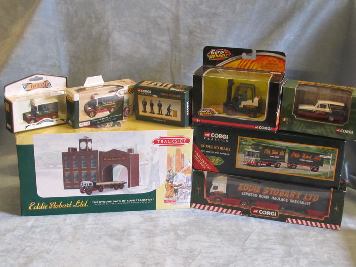 Corgi - Scale 1/50-1/76 - Lot with 13 models: 13 x Eddie Stobart vehicles and figures