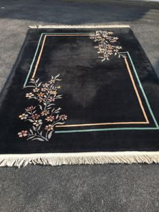 Oriental carpet - China - 100% handwoven - investment