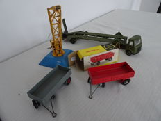 Dinky Toys - Scale 1/48 - Goods Yard Crane No 973, AEC Articulated Lorry No.618, Trailers No.428 and 2 x No.551