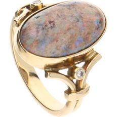 14 kt – Yellow gold ring set with a matrix opal – Ring size:  17 mm