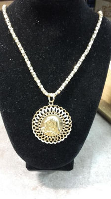 Chain with the Virgin embossed in yellow gold
