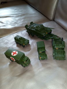 Dinky (Super)Toys - Scale 1/43-1/48 - Lot of 6 military vehicles