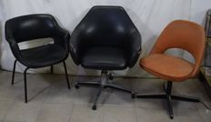 Cassina, Knoll, unknown - Triptych of office armchairs