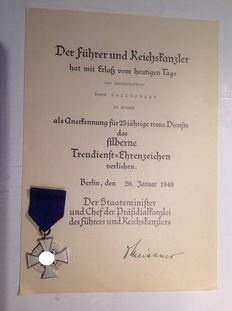 Medal of loyalty, civil decoration during the Third Reich with its diploma.