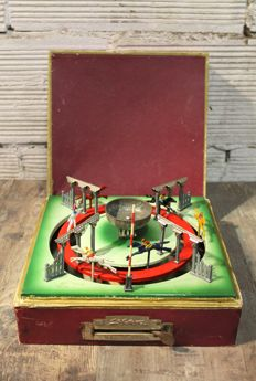 JEP, France - Length: 26 cm - Race Game / Mechanical Racecourse, 50's