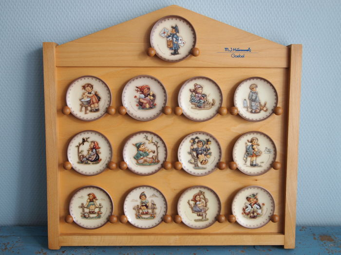 Goebel Hummel - Annual Collector Plates Set