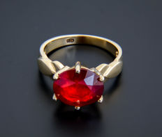 18k gold and ruby ring 4 ct. *No reserve*