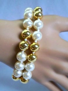 Vintage 1990s - Kenneth Jay Lane - 14K Gold Plated Bracelet double row large simulated Pearls - NO Reserve