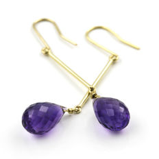 18 kt (750/000) yellow gold - Earrings with fish hook clasp - Amethysts - Earring height: 49.45 mm