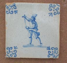 Antique tile, Moor drawing his sword !  Rare