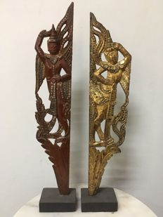 Lot with 2 wooden gilt and lacquer carvings - Burma - 2nd half 20th century.