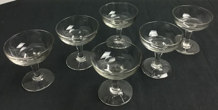 Val Saint Lambert - six champagne / cocktail glasses