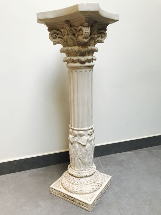Roman Decorated Column With Acanthus Leaves   70 Cm Long, Italy, Second  Half Of The 20th Century