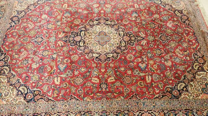 Beautiful very fine over size old Persian  palace Kashan Carpet (Signed hassan Farshchi and sons). 450000 - 500000 Knots per sq. meter. 430 cm x 320 cm, Kork wool, from around 1940- TOP