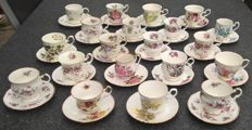 40 pieces, English porcelain cups and saucers - including Royal Albert and Elizabethan