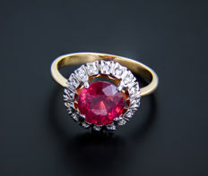18k gold and ruby ring 2.8 ct. with diamonds 0.23 ct. ***No reserve***