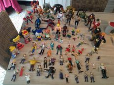 60 different cartoon and comic figures