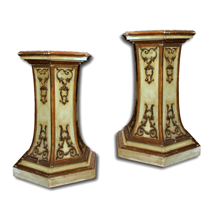 Pair of lacquered and gilded columns Empire style Tuscany - Italy - 19th century