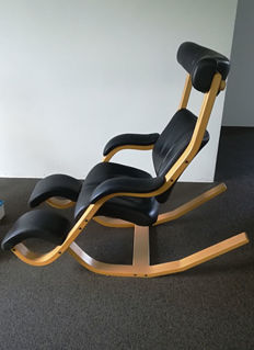 Peter Opsvik for Stokke - Gravity Balans (lot 1)