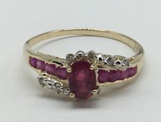 14kt Gold Ring with diamonds 0.03 ct and  Ruby  - Ring Size: US 7