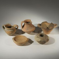 group of 5 miniature Greek terracotta votive vessels - Various sizes (5x)