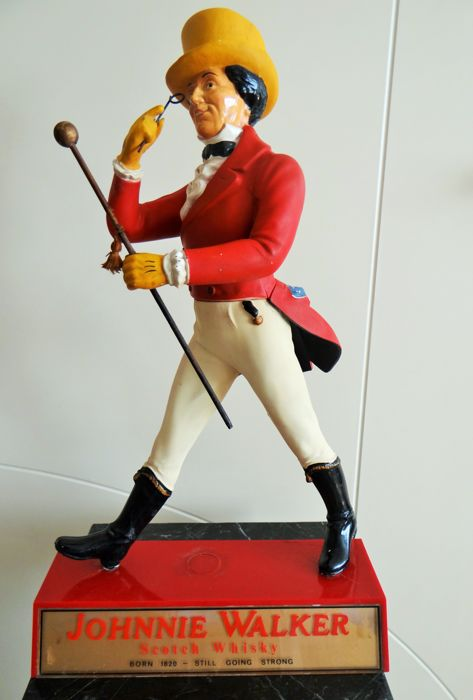 Johnnie Walker - Still going strong - Original figurine made in England. - Ca 1950