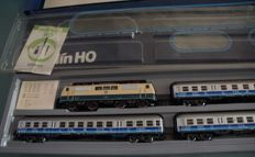 Märklin H0 - 2856 - 4-piece train set with electric locomotive BR 111 of the DB 'Airport Express'