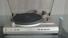 Dual CS 628 electronic direct drive turntable