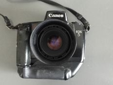 Canon Eos 5 with grip and canon 1.8: 50 mm