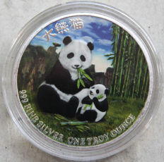Niue - 2 Dollars 2017 'Panda with Cub' colorized - 1 oz silver