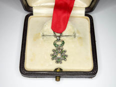 Miniature medal of the légion d'honneur adorned with diamonds with box