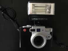 Leica digilux 1 with metz mecabliz 30 BCT 4i