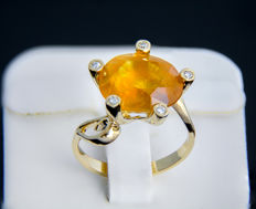 18k gold and yellow sapphire ring 10.8 ct. with diamonds ***No reserve***