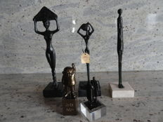 A beautiful lot with 5 bronze statuettes on matching plinths