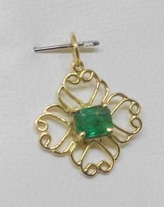 Pendant in 18 kt yellow gold - Central emerald - Exclusive