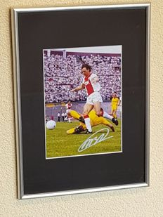 Marco van Basten - AFC AJAX Amsterdam Olympic Stadium - beautiful framed action photo - hand signed + COA.