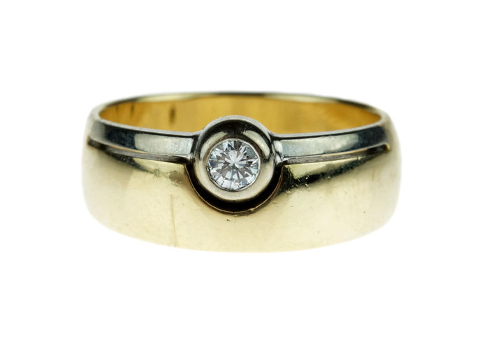 Heavy bi-colour 14 kt gold ring set with solitaire diamond, 0.15 Wesselton SI
