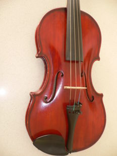 Old Bohemian violin with label Jaroslav Tuma