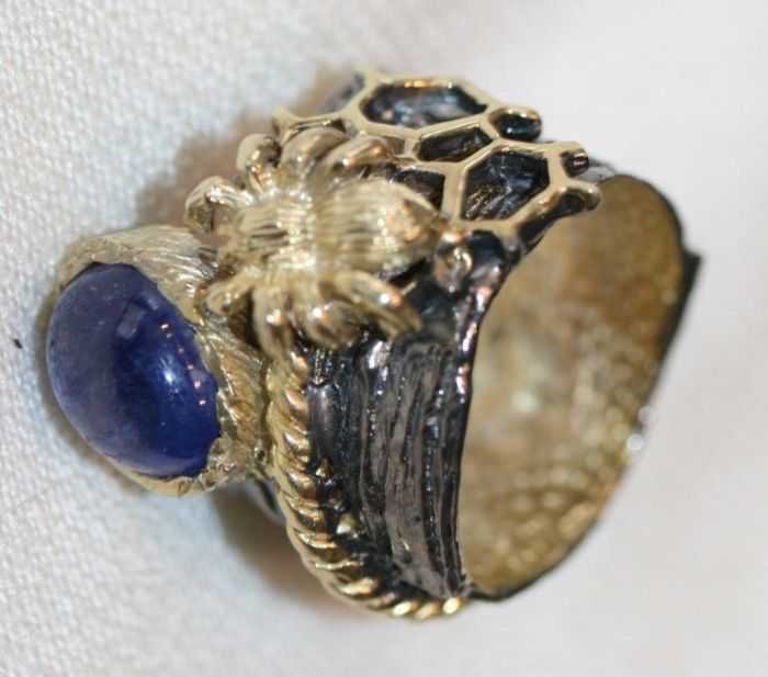 Handmade silver 925/1000 ring with sapphire, size 7.